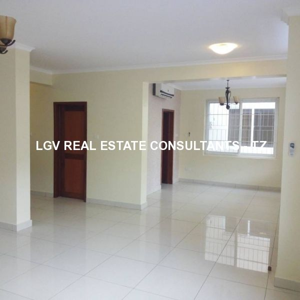 4 Bedrooms Villas for RENT at Oysterbay