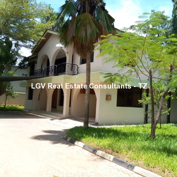 6 Bedrooms House For Rent at Kawe Mlalakuwa